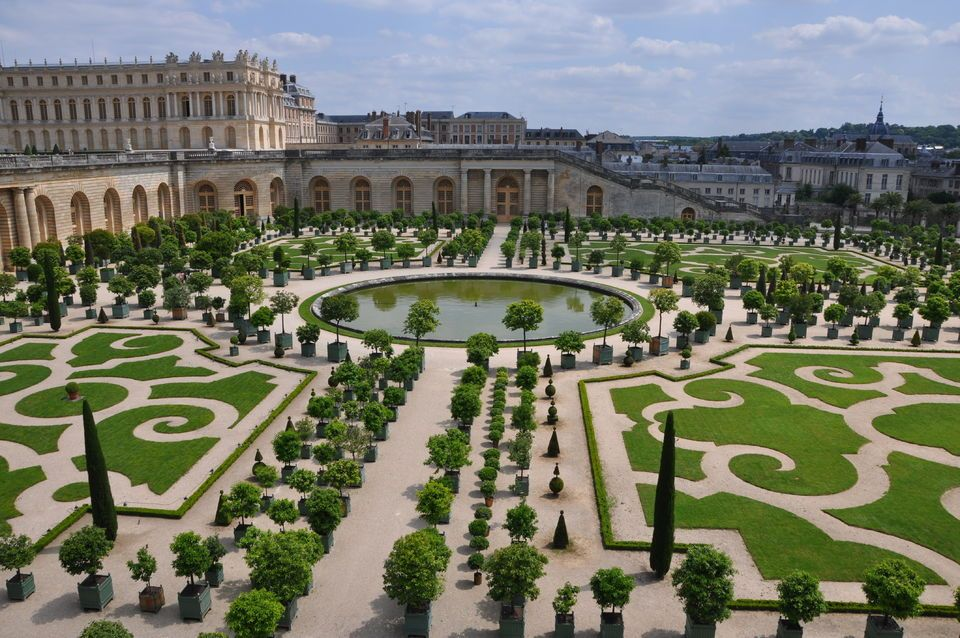 Versailles by Train Tour From Paris with Skip-The-Line