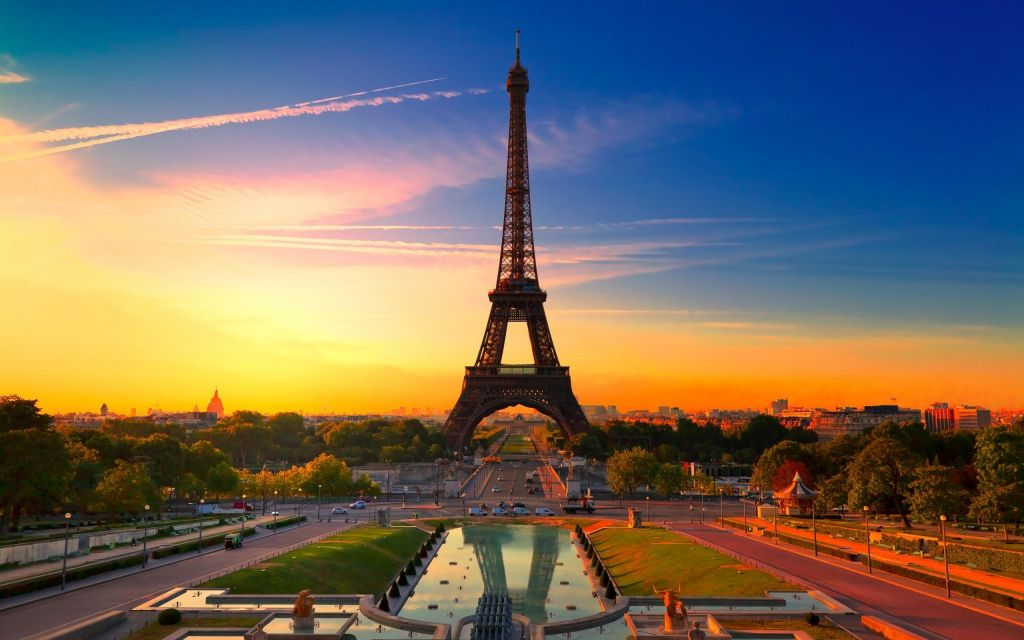 Eiffel Tower Tickets: Summit or Second Floor Priority Access