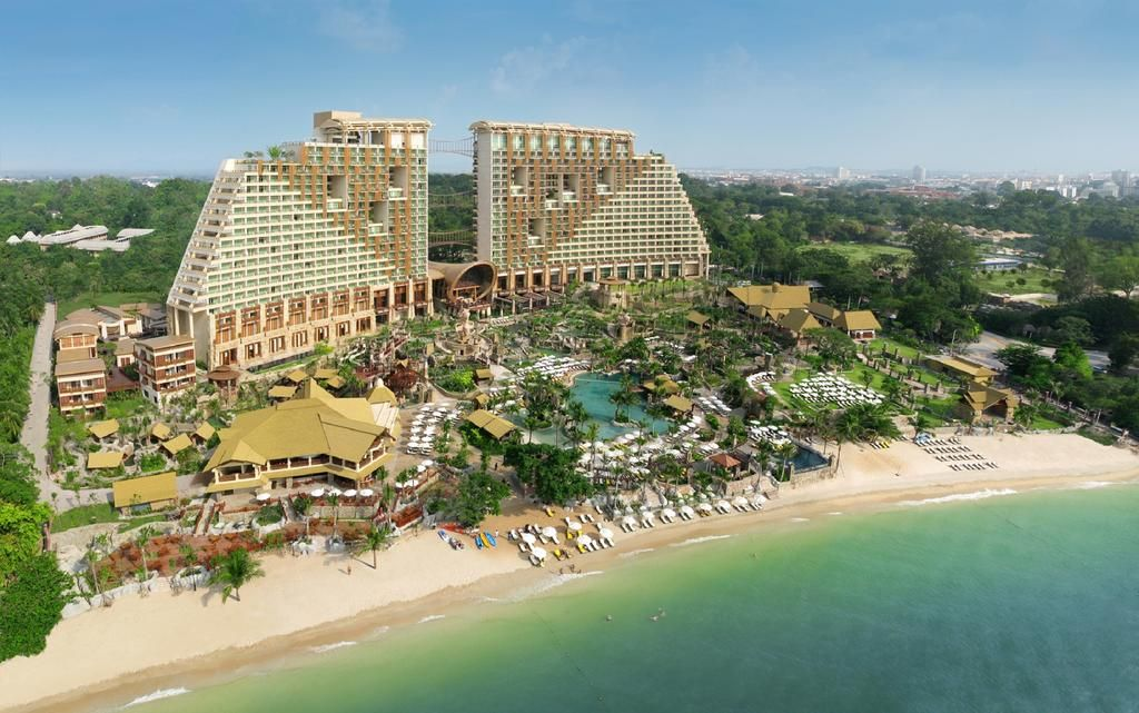 Centara Grand Mirage Beach Resort Pattaya, Pattaya