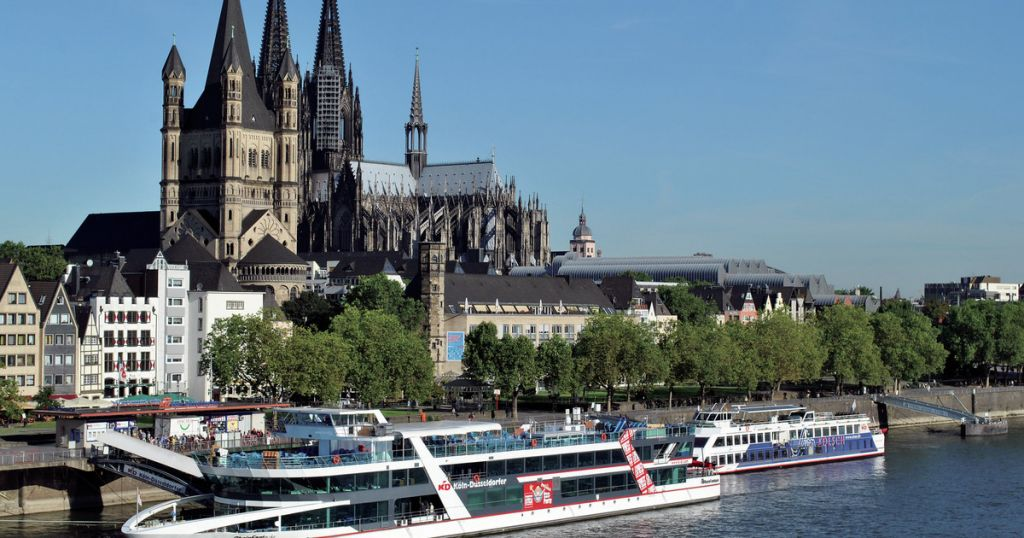 Cologne: Panorama City Cruise Options